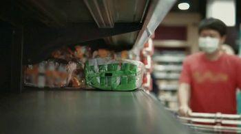 Wells Fargo TV Spot, 'Feeding America: The Year of the Unthinkable' - Thumbnail 7