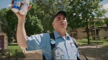 Bud Light TV Spot, 'Beer Vendor: Walk Sign' - Thumbnail 5