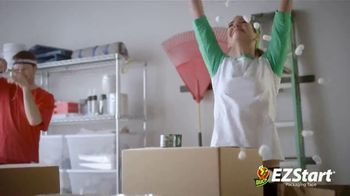 Duck Brand EZStart Packaging Tape TV Spot, 'Packers' - Thumbnail 8