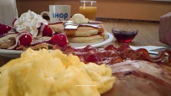 IHOP Ultimate Breakfeasts TV Spot, 'Oso' [Spanish] - Thumbnail 3