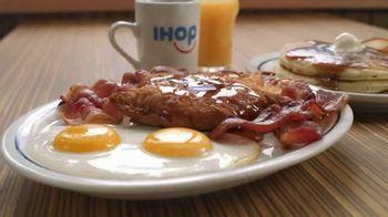 IHOP Ultimate Breakfeasts TV Spot, 'Oso' [Spanish] - Thumbnail 5