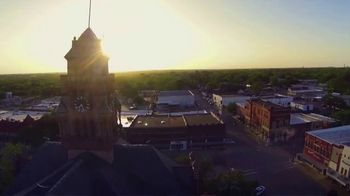 Waxahachie Convention & Visitors Bureau TV Spot, 'Special' - Thumbnail 3