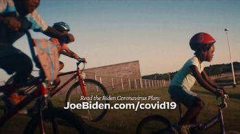 Biden for President TV Spot, 'Crossroads' - Thumbnail 8
