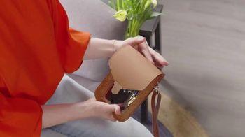 Touch Screen Purse TV Spot, 'Incredible New Way' Ft. Lori Greiner - Thumbnail 6