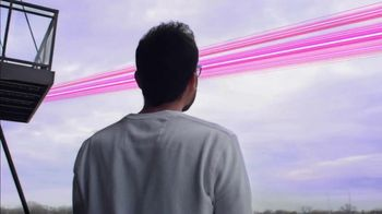 T-Mobile TV Spot, 'Awesome Network' Song by Niall Horan - Thumbnail 5