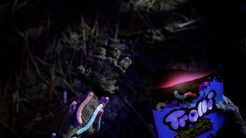 Trolli Sour Brite Crawlers TV Spot, 'Trolli Bag' - Thumbnail 4