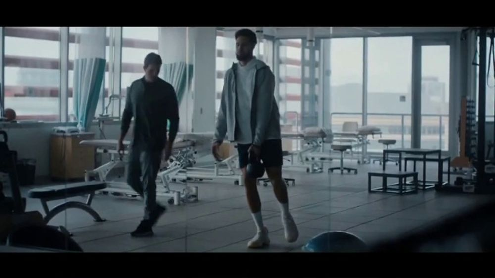 Kaiser Permanente TV Commercial, 'Above The Waves' Featuring Klay Thompson