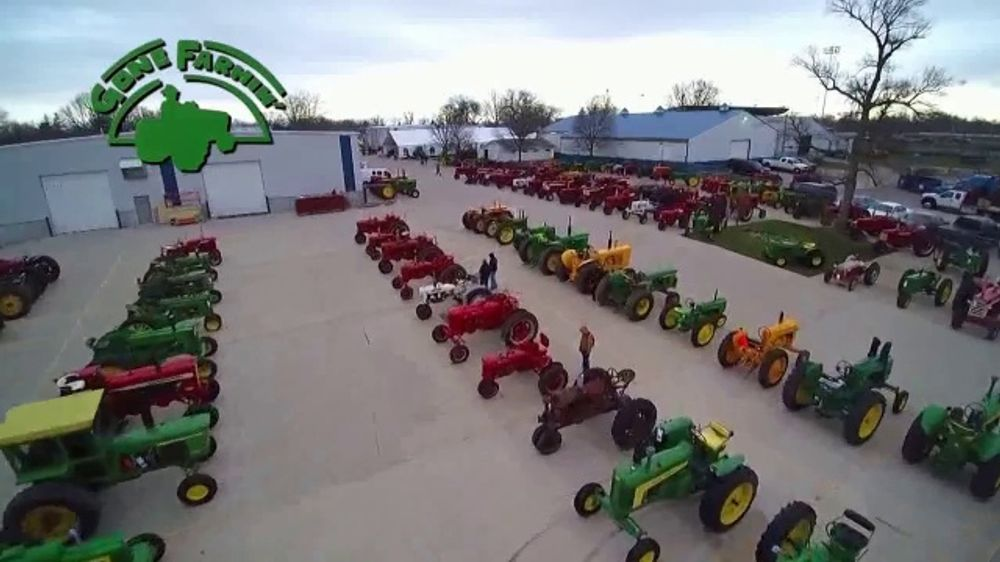 Mecum Gone Farmin' 2020 Spring Classic TV Commercial, 'Vintage Trucks Pouring In'