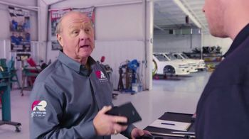 Creative Racing TV Spot, 'The Easy Way' Featuring Larry McReynolds and Brandon McReynolds - Thumbnail 6