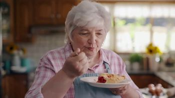 Country Crock Plant Butter TV Spot, 'Loved By Lynn, 229-Time Baking Champion' - Thumbnail 8