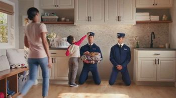 Maytag Month TV Spot, 'On/Off: $700 Rebate' Featuring Colin Ferguson - Thumbnail 5