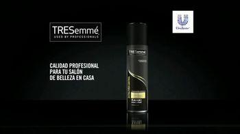 TRESemmé TRES TWO Extra Hold Hair Spray TV Spot, 'Desastre' [Spanish] - Thumbnail 7