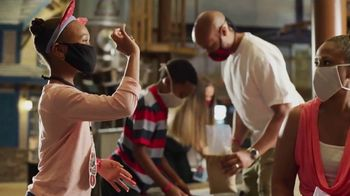 Great Wolf Lodge TV Spot, 'Our Paw Pledge: Pizza' - Thumbnail 9