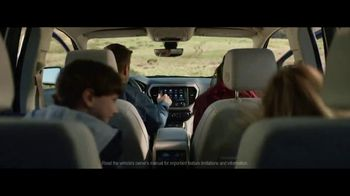 GMC Employee Discount for Everyone TV Spot, 'Weekend Starts Now' Song by Sugar Chile Robinson [T2] - Thumbnail 4