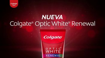 Colgate Optic White Renewal TV Spot, 'Elimina 10 años de manchas amarillas' [Spanish]