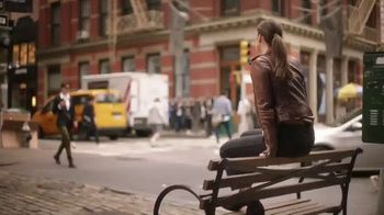 Maybelline New York Brow Extensions Crayon TV Spot, 'Thicker Brows' - Thumbnail 4