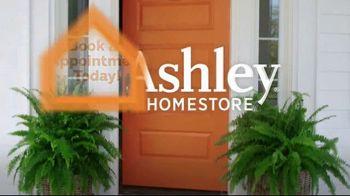 Ashley HomeStore End of Season Clearance Event TV Spot, 'Up to 70 Percent: Sofa' - Thumbnail 7