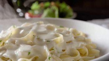 Olive Garden TV Spot, 'More Alfredo Sauce' - Thumbnail 5