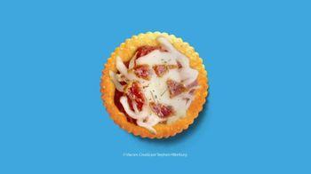 Ritz Crackers TV Spot, 'Siéntete bienvenido' canción de Matt & Kim [Spanish]