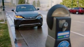 Toyota Venza TV Spot, 'Lifesaver' Song by The Temper Trap [T1] - Thumbnail 3