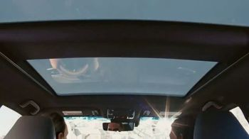 Toyota Venza TV Spot, 'Lifesaver' Song by The Temper Trap [T1] - Thumbnail 5