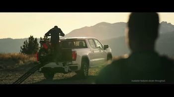 2020 GMC Sierra TV Spot, 'Jaw Drop: Bear' [T2]