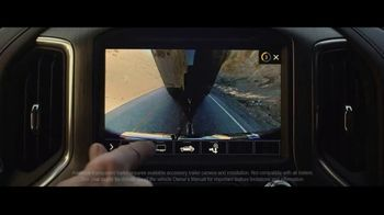 2020 GMC Sierra TV Spot, 'Jaw Drop: Bear' [T2] - Thumbnail 4