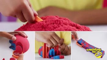 Kinetic Sand Sandisfying Set TV Spot, 'Endless Creations' - Thumbnail 6