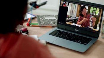 Staples TV Spot, 'School Goes On: Notebooks, Ruler and Glasses' - Thumbnail 4