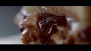 Panera Bread Smokehouse BBQ Chicken Sandwich TV Spot, 'Half' - Thumbnail 5