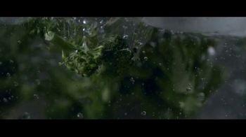 Panera Bread Broccoli Cheddar Mac & Cheese TV Spot, 'Never Takes It Easy' - Thumbnail 4