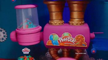 Play-Doh Kitchen Creations Candy Delight Playset TV Spot, 'Crank Out Candies' - Thumbnail 2