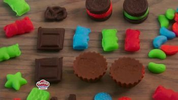 Play-Doh Kitchen Creations Candy Delight Playset TV Spot, 'Crank Out Candies' - Thumbnail 7