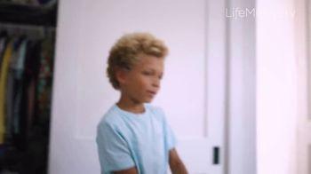 LifeMinute TV TV Spot, 'Glass Half Full News' - Thumbnail 6
