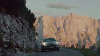 2020 Porsche Cayenne TV Spot, 'Blur' [T2] - Thumbnail 6