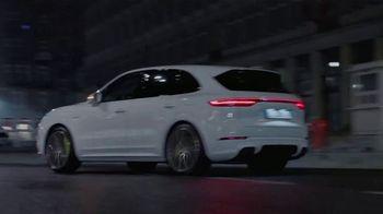 2020 Porsche Cayenne TV Spot, 'Blur' [T2] - Thumbnail 7