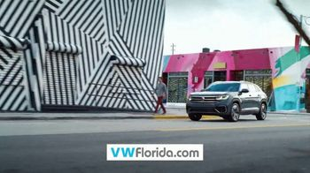 Volkswagen TV Spot, 'From Dealership to Driveway' [T2] - Thumbnail 3