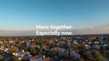Facebook Groups TV Spot, 'Clap at 7 for Essential Workers' - Thumbnail 10
