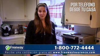 Freeway Insurance TV Spot, 'Siempre a tu servicio' [Spanish] - Thumbnail 3