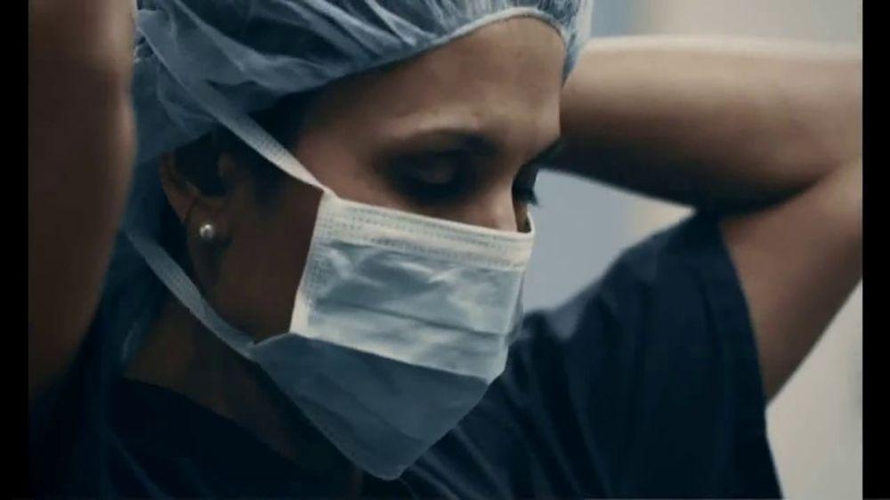 Modelo TV Commercial, 'Shared Fight'