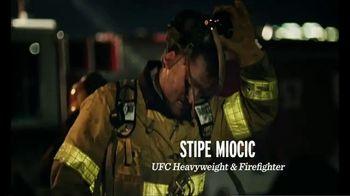 Modelo TV Spot, 'Shared Fight' - Thumbnail 3