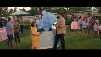 GEICO Motorcycle TV Spot, 'Baby Reveal Confusion' Song by The Troggs - Thumbnail 9