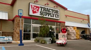 Tractor Supply Co. TV Spot, 'Taking Care of Neighbors' - Thumbnail 7