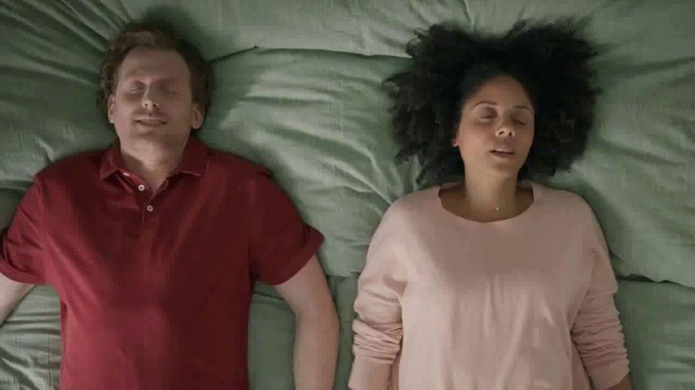 Gain Ultra Flings! TV Commercial, 'Make Your Ultra-Big, Ultra-Stinky Loads Fresh Again'