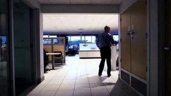 Chevrolet TV Spot, 'Chevy Cares: cumpliendo con nuestra parte: Certified Service' [Spanish] [T1] - Thumbnail 4