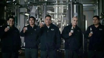 Modelo TV Spot, 'Orgullosos de apoyar a quienes luchan por nosotros' canción de Ennio Morricone [Spanish] - Thumbnail 7