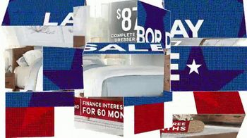 Rooms to Go Labor Day Sale TV Spot, 'Queen Bedroom Set in Two Finishes' - Thumbnail 7