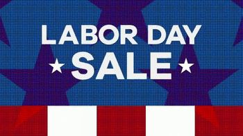 Rooms to Go Labor Day Sale TV Spot, 'Queen Bedroom Set in Two Finishes' - Thumbnail 2