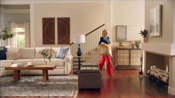 La-Z-Boy 37 Hour Sale TV Spot, 'So Many Colors' Featuring Kristen Bell - Thumbnail 3