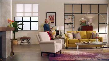 La-Z-Boy 37 Hour Sale TV Spot, 'So Many Colors' Featuring Kristen Bell - Thumbnail 4